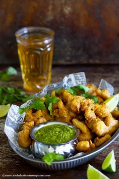 These cauliflower pakoras are an Indian street food & snack classic.