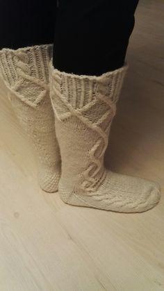 Saimaa-sukat itselle, lankana 7veljestä Socks, Booty, Ankle, Fashion, Moda, Swag, Wall Plug, Fashion Styles, Sock