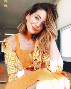 Shop Our Picks - Zoella Joe And Zoe Sugg, Joe Sugg, Famous Youtubers, Summer Outfits, Cute Outfits, Short Brown Hair, Zoella, Phil Lester, Celebrity Dads