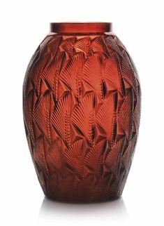 Lalique - Grignon Vase, No. 1086 | DESIGNED 1932 | 17.8 cm high | 20th Century, flowers & plants | Christie's Estimate GBP 2,000 - GBP 3,000