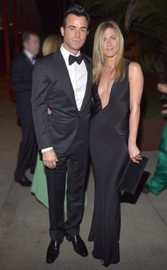 such a sleek dress on jennifer anniston