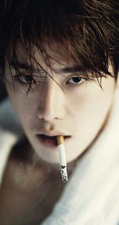 """❤❤❤oppa you look soooo daring in this pic but """"NO CIGARETTES"""""""