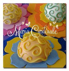 Flores em eva e biscuit #ColdPorcelain #biscuit #porcelanafria #jardimsecreto #secretgarden ♥Orçamentos cacauphn@hotmail.com ♥Watsap 11 984775720  ♥ www.biscuitdacacau.com.br ♥ Feito com carinho!