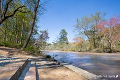The 4 mile loop trail at West Palisades explores three sets of shoals on the Chattahoochee River,  rolling elevation from the river's banks up to rocky bluff overlooks. #hiking #trails #atlanta