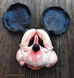 what mickey mouse would really look like...if he weren't a cartoon...lol