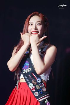 Joy red velvet red mare concert Kpop Girl Groups, Korean Girl Groups, Kpop Girls, Park Sooyoung, Snsd, Red Velvet Joy, Korean Bands, I Love Girls, Seulgi