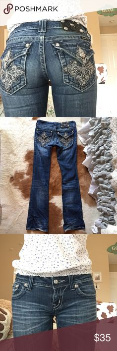 MissMe Bootcut Jeans These Bootcut MissMe Jeans are a size 25! These jeans do not have any missing buttons or jewels, but the heels of the pants are just worn down a little (nothing big)! These pants are still in great condition! :) Miss Me Pants Boot Cut & Flare
