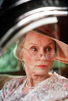 """Southern matron Daisy Werthan (Jessica Tandy) in Zanuck Company's """"Driving Miss Daisy."""" Tandy received the Academy Award for best actress for her performance. Jessica Tandy, Academy Award Winners, Oscar Winners, Academy Awards, Glenda Jackson, Janet Gaynor, Film Blue, Driving Miss Daisy, Best Actress Oscar"""