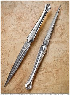 The elvish silver daggers. The most efficient way to stab a shadow, kill a shade and make a sorcerer feel agony of undescribeable magnitude. Sabine uses these when she frees Price and Ro has another. People talkt about the daggers being sisters. Which is kind of true, when they are made magic is poured into the liquid silver so two daggers made with the magic of the same elf are related. They are elven made, humans doesn't know how to make them which makes these two very valubable to t…