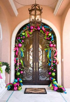 Door Easy To Make Christmas Ornaments, Colorful Christmas Decorations, Noel Christmas, Pink Christmas, Winter Christmas, Christmas Wreaths, Christmas Crafts, Holiday Decor, Christmas Porch