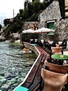 Paxos Roxy Bar, Ionian Islands   www.interieurinkleur.nl