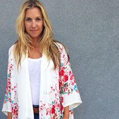 6 patrons pour coudre un kimono facilement - DIY Clothes Sweater Ideen Kimono Diy, Mode Kimono, Diy Blouse, Girl Dress Patterns, Blouse Patterns, Kimono Fashion, Diy Fashion, Womens Fashion, Marie Claire
