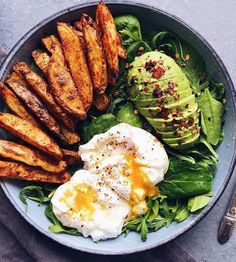 Yummy breakfast for a healthy boost Delicious snack Healthy eating fitness Inspirational yum food delicious healthy breakfast meal happy yummy yum good eating fuel. Healthy Meal Prep, Healthy Snacks, Healthy Eating, Healthy Recipes, Diet Recipes, Breakfast Healthy, Vegetarian Breakfast, Breakfast Bowls, Salad For Breakfast