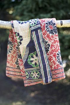 Pomegranate Kantha Throw | dignify