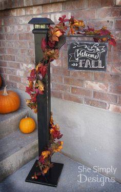 18 Fabulous Fall Porch Decor Tips - Porch Decorating Ideas Thanksgiving Decorations, Seasonal Decor, Outdoor Fall Decorations, Fall Crafts, Holiday Crafts, Fall Projects, Diy Projects, Porch Signs, Porch Decorating