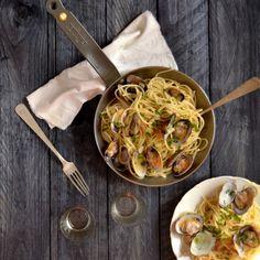 Spaghettis alle vongolo en sartén de hierro Mineral B De Buyer. Una receta sencilla que da un gran resultado ¡en sartén!