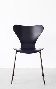 Vlinderstoel 3107 by Fritz Hansen | Master Meubel, design meubelen en interieur inrichting