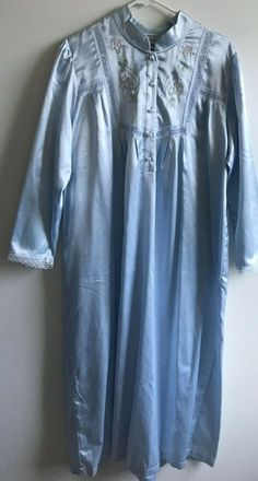 17cd2fe942e6f5 VINTAGE Polyester/Cotton Satin NIGHTGOWN Carroll Reed Pale Blue Sz Med Bust  46