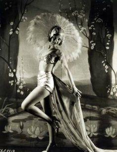 Ziegfeld Follies. Show girl. 1930s.