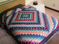 Trip Around the World Quilt -- wonderful smartly made Amish Quilts from Lancaster (hs908)