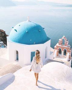 weekend in Santorini Santorini Travel, Santorini Greece, Greece Travel, Mykonos, Ohh Couture, Leonie Hanne, Poses, Travel Aesthetic, Greek Islands