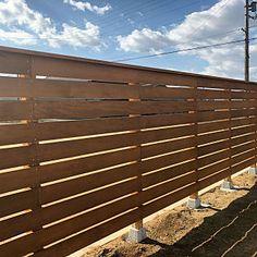 Patio, Backyard, Wood Fence Design, Apartment Renovation, Fence Landscaping, Deck Railings, Garden Fencing, Wood Slats, Fixer Upper
