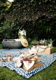 vignette design: Romantic Picnic Ideas
