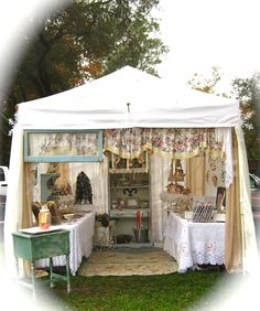 This is the cutest booth setup I've seen in a long time. My booth at The Vintage Marketplace. ~The Beehive Cottage Vendor Displays, Craft Booth Displays, Vendor Booth, Market Displays, Display Ideas, Market Stands, Farmers Market Display, Flea Market Booth, Craft Show Booths