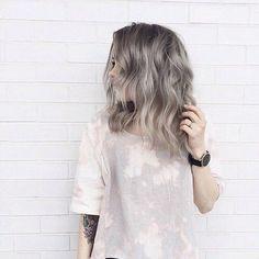 fashion, grey, grey hair, hair, look Shaggy Haircuts, Girl Haircuts, Medium Hair Styles, Short Hair Styles, Ash Hair, Gray Hair, Brown Hair, Haircut Designs, Grunge Hair