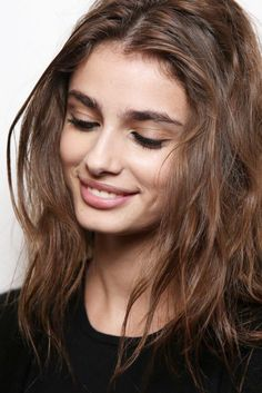 runwayandbeauty:  Taylor Marie Hill - Backstage at Versace Fall 2015 | MFW. Source: Delphine Achard Photography.