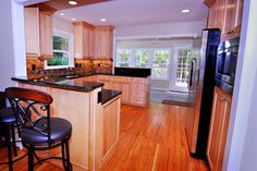 Traditional Kitchen Photos Open Concept Kitchen Design Ideas, Pictures, Remodel, and Decor - page 4
