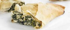 Easy vegetarian filo parcels filled with the classic spinach and ricotta make an easy and versatile meal and are surprisingly straightforward to make. Serve for a light lunch, a veggie supper or even take on picnic. Serve with salad on the side.