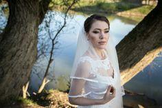 #makeup #olivegreenmakeup #nudelips #bridal #wedding #bridalideas #beauty #glow  Photo : @povesteavoastra
