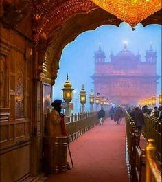 SATNAM SRI WAHEGURU JI Guru Nanak Ji, Guru Granth Sahib Quotes, Guru Pics, Harmandir Sahib, Golden Temple Amritsar, Punjabi Culture, India Architecture, Indian Festivals, Chor