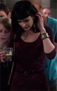 Don't trust the B in apartment 23 #Outfit #Season1 #Chloe #KrystenRitter