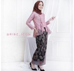 Kebaya Hijab, Kebaya Brokat, Kebaya Muslim, Hijab Fashion, Women's Fashion, Fashion Outfits, Hani, Lovely Dresses, Highlight