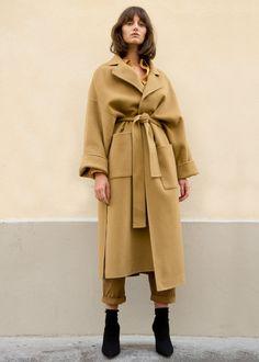 Lapel, Wrap Coat w/Wide Sleeves & Removable Belt 2 Front Patch Pockets. Hig… Lapel, Wrap Coat w/Wide Sleeves & Removable Belt 2 Wrap Coat, Belted Coat, Latest Outfits, Winter Looks, Winter Wardrobe, Modest Fashion, Coats For Women, Mantel, Lana