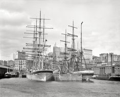 New York harbour in 1900