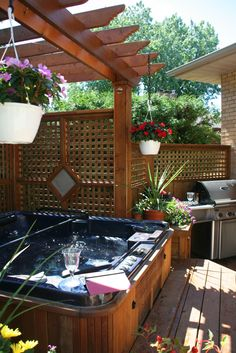 34 Perfect Outdoor Hot Tub Privacy Ideas At this time you can let your infant enjoy a genuine baby tub, which you don't need to be worried about uncomfortable bumps. Secondly, always think about your child's tub has to be skid proof. Hot Tub Gazebo, Hot Tub Backyard, Backyard Patio, Backyard Landscaping, Outdoor Spa, Outdoor Living, Outdoor Areas, Modern Hot Tubs, Decks