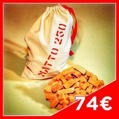 MATTO Bag 250  Contents: 130 big Bricks 40 medium Bricks 60 small Bricks 4 Joists n°9 4 Joists n°7 4 Joists n°6 6 Joists n°4 2 Joists n°3  Cotton bag, hand-stitched.