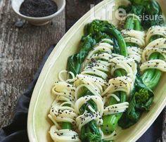 noodle wrapped asparagus