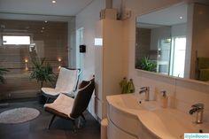 Vårt badrum - Hemma hos TinySt Bathtub, Relax, Lounge, Bathroom, Inspiration, Furniture, Home Decor, Ideas, Standing Bath