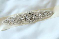 Cinturón de pedrería :: Virtual Novia Book Diamond, Bracelets, Jewelry, Fashion, Bridal Belts, Boyfriends, Jewels, Accessories, Charm Bracelets