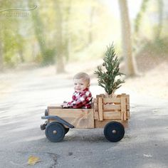 Easter Photoshoot Ideas for babies / Toddlers / Kids Diy Wood Projects, Wood Crafts, Woodworking Projects, Baby Toys, Kids Toys, Foto Baby, Kids Corner, Wood Toys, Wooden Diy