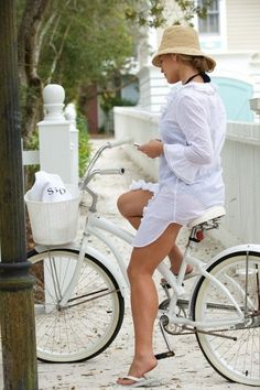 Beach cruiser, the perfect accessory for a summer full of fun.