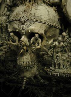 Skulls: #Skull, Kris Kuksi.
