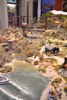 Crèche de Noël. O.T. Carpentras . Village Miniature, Train Miniature, Villas, Indian Village, Scale Models, Ideas Para, Portal, Nativity, Dolores Park
