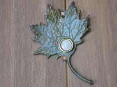 Offbeat Doorbells for Main Doors Door Knobs And Knockers, Knobs And Handles, Doorbell Cover, Doorbell Button, Main Door, Pomellato, Door Furniture, Door Signs, Leaf Design