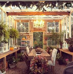 Backyard Greenhouse, Greenhouse Plans, Backyard Retreat, Greenhouse Farming, Window Greenhouse, Mini Greenhouse, Backyard Patio, Farmhouse Greenhouses, Wooden Greenhouses