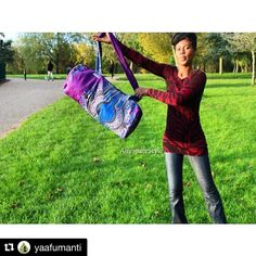 #Repost @yaafumanti  #lightduffelbag #bohopurple #purplebag  #dashiki #weekendtraveler
